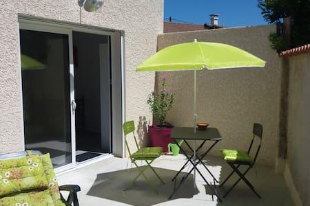 appartement neuf de 36 m2 avec terrasse privée - Montélier