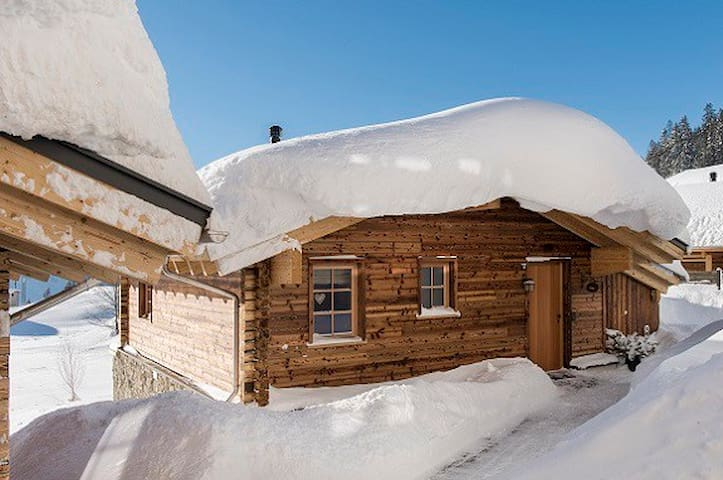 Aadla Walser-Chalets at the Arlberg for 4-5 person