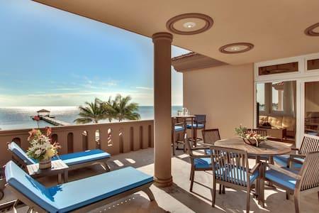 Villa Del Mar: 111312