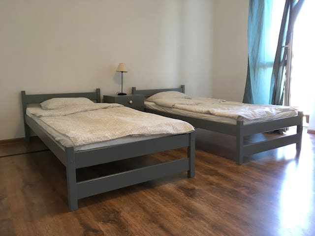 Large room in Cracow + private bathroom