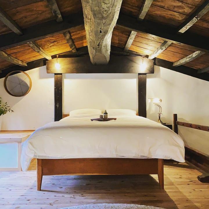 江戸時代の蔵に泊まり日本庭園でBBQや鍋を楽しめる一棟貸ホテル