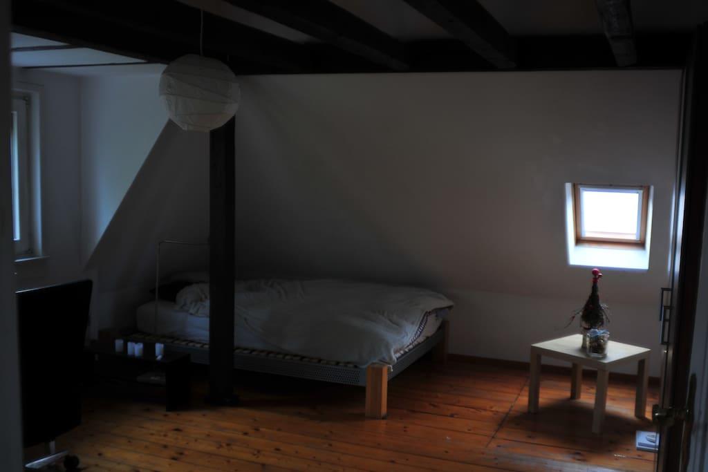 Schlafzimmer u Arbeitsecke