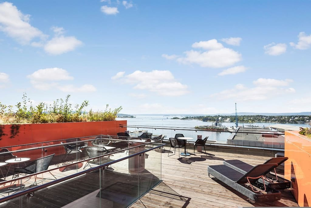 Rooftoop - enjoy the day or sunset with a view of oslo