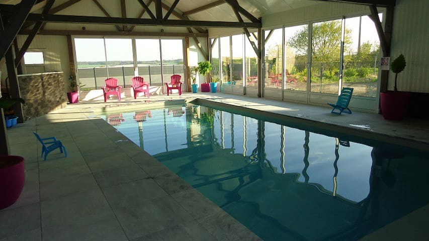 Gîte 3* à la ferme avec piscine chauffée couverte