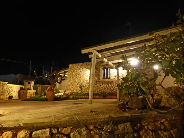 TRULLO FOR 2 PEOPLE WITH SEA VIEW