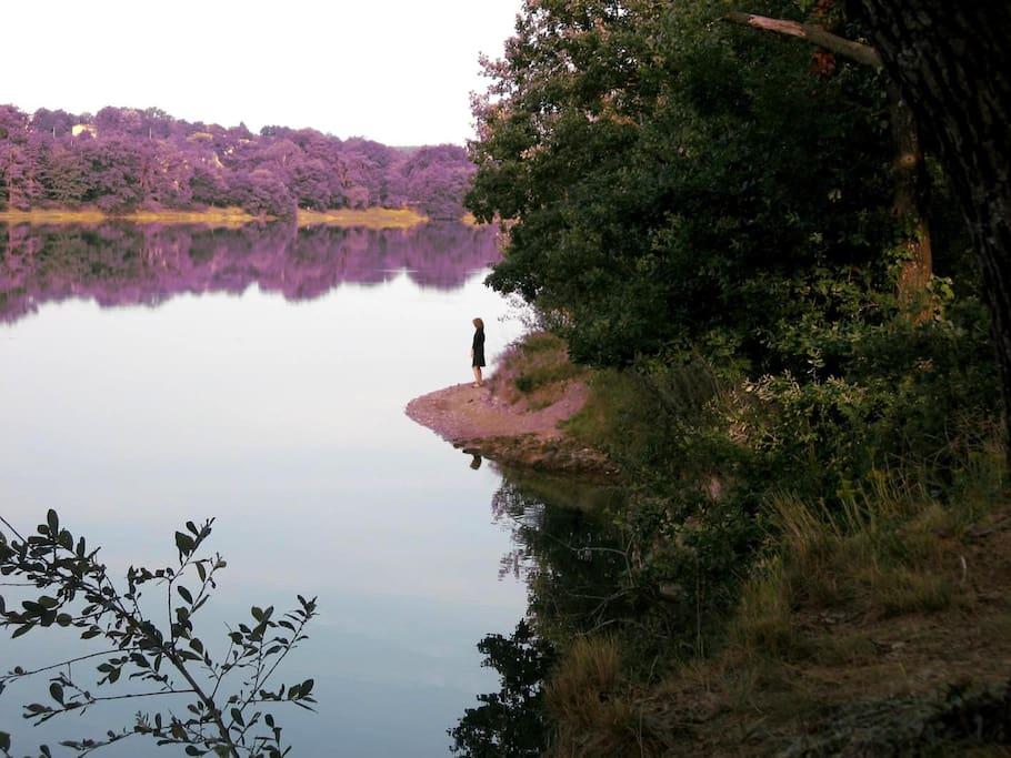 Le lac de la Roucarié à 4 km