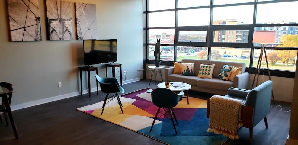 Executive Downtown Loft 2-Bedroom