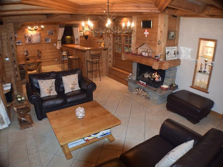luxury 3 bed apartment on the piste, ski to door