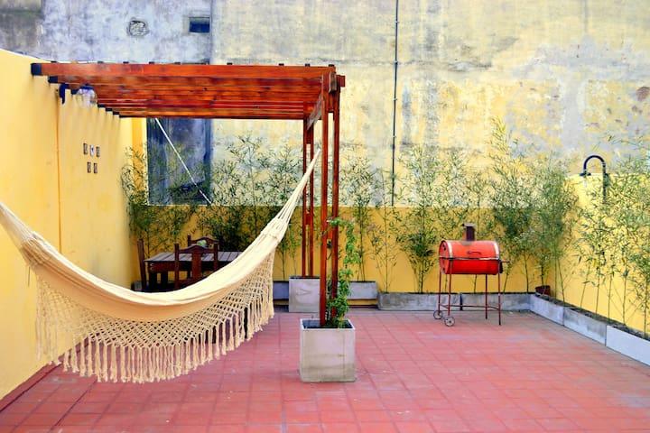 Apartamento soleado con gran terraza propia - Buenos Aires - Wohnung