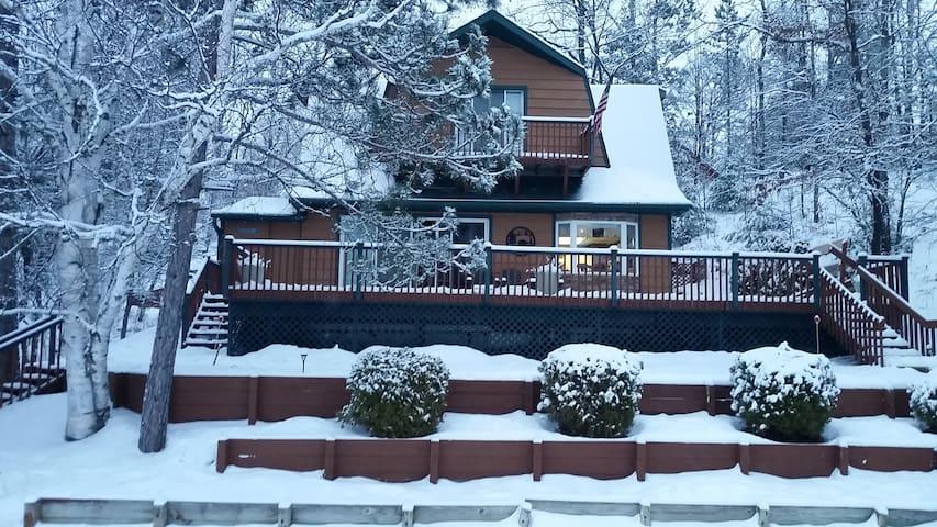 Little Bear Lake Hideaway-December Weekend special
