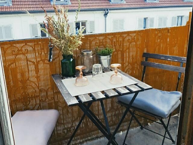 Charmant studio avec balcon proche Montmartre