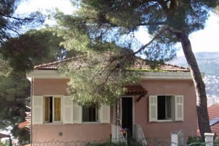 Trilocale in villa bifamiliare Pinamare Andora SV - Marina di Andora