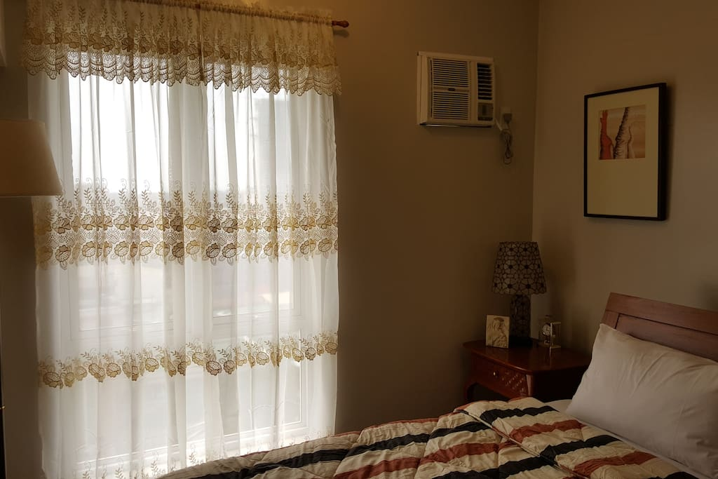 Air-conditioning, Curtain, Clock, Lamps