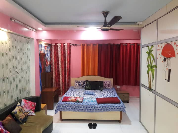 COOL COSY ROOM IN ANDHERI/MUMBAI