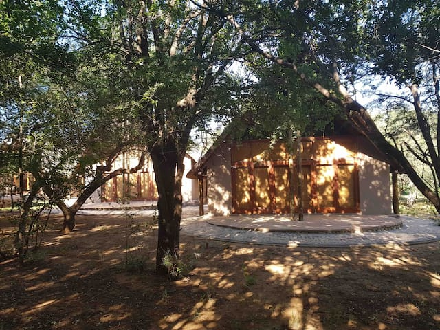 Pilansberg Black Rhino, Private Big 5, sleeps 8
