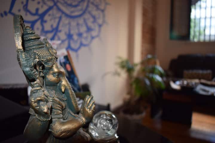 Sat Nam es una casa alquimista llena de magia.