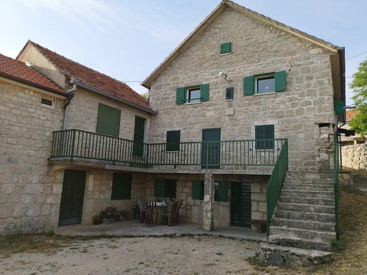 APARTMENT IMOTA STONE, Eco Village