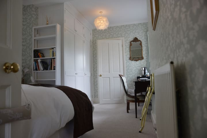 Victorian country house B&B - Manningford Abbots - Гестхаус