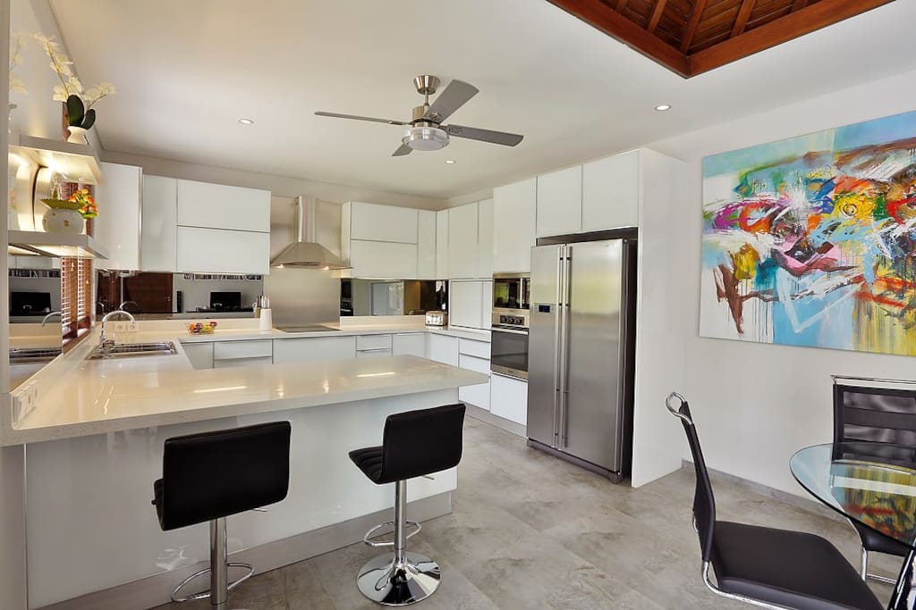 Stylish fully equipped western amenities