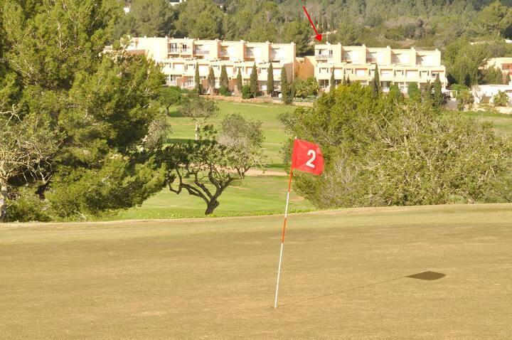 2 habs vistas al golf Roca Llisa terraza y piscina