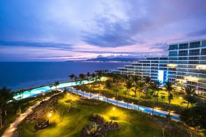 Luxurious&Beautiful Condo Peninsula N.V Ocean fro