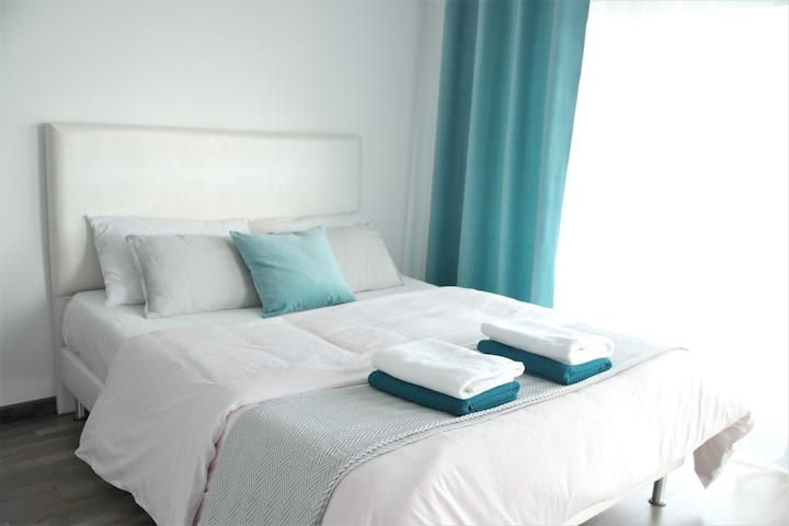 Luxury front sea view 2 bedroom apartment MAREA