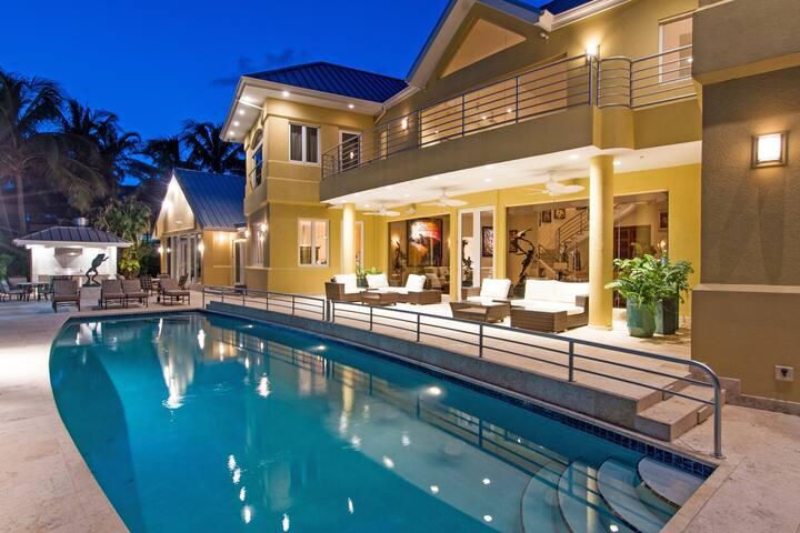 Villa Gabrielle, Luxury Oceanfront Estate