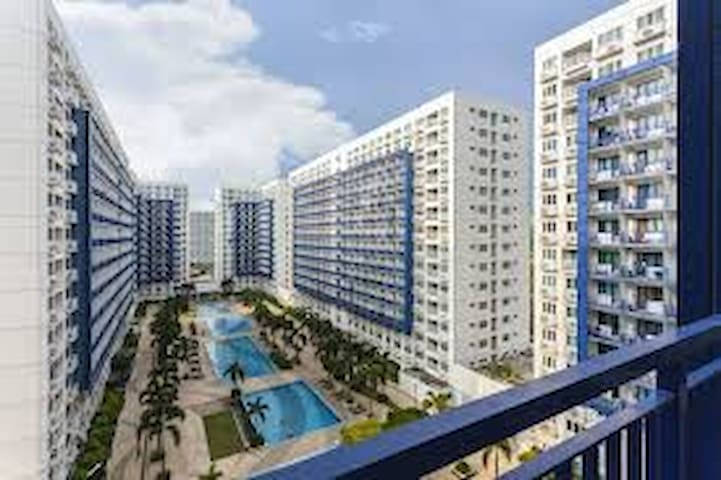 Cozy lifestyle at SMDC Sea Residences near MOA