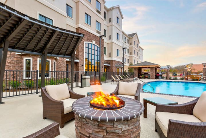 Free Breakfast, Outdoor Pool | Suite Near Texas A&M