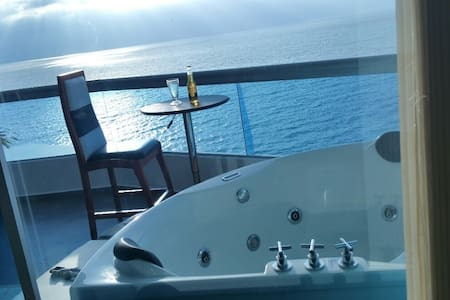 Luxury Ocean Front Condo/Suite Presidential