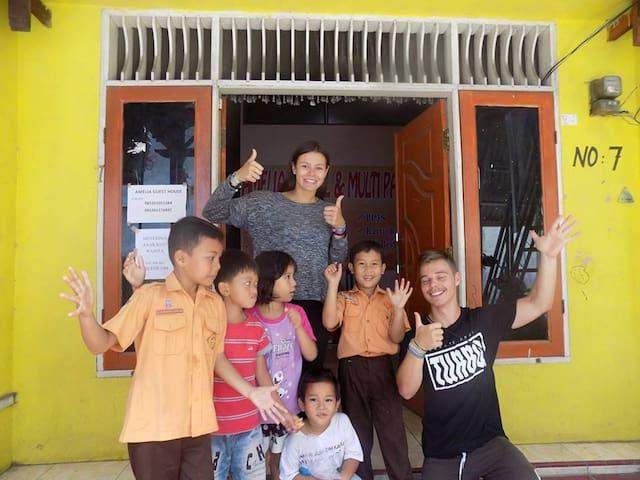 Amelia 2 Guest House,Medan - Medan Johor - Pousada
