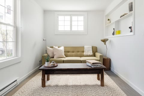 Guest Apartment in Converted 1870s Carriage House