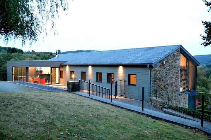 Maison de vacances moderne à Bellevaux-Ligneuville, sauna