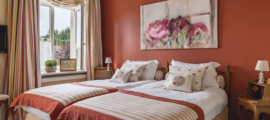 Charmes d'hôtes - chambre Valentine - Héron - Bed & Breakfast