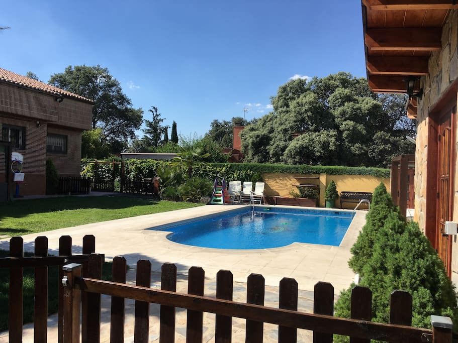 Precioso apartamento con piscina appartamenti in affitto for Piscina villanueva de la canada