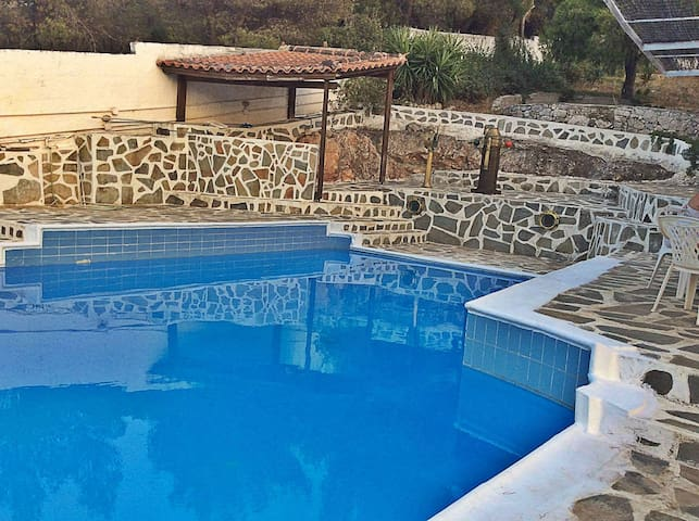Kavvada Estate, Serene Privacy w pool - Anatoliki Attiki - บ้าน