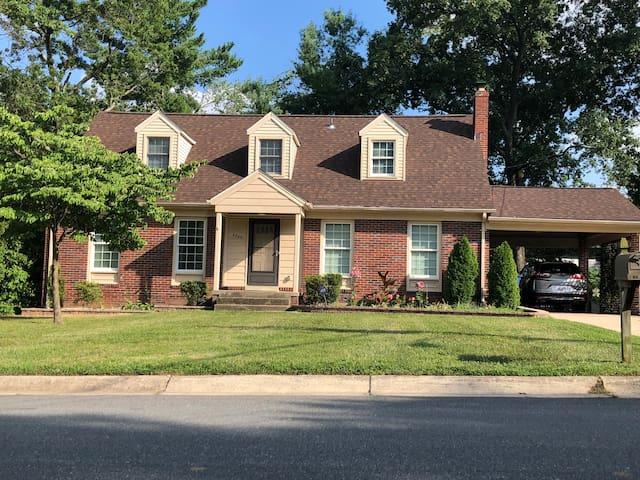Spacious House near FDA, UM, USARC, I495 & I95, SS
