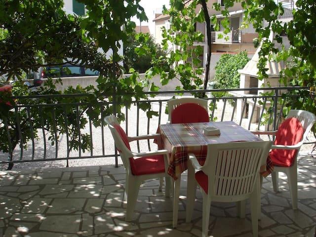 One bedroom apartment with terrace Orebić, Pelješac (A-12361-a)