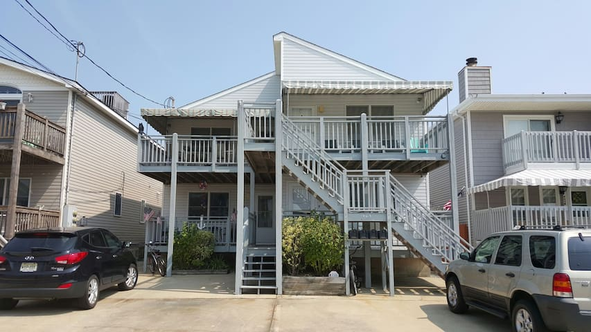 Shore Condo in the Marina District. - Wildwood - Apartment