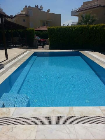 Özel havuzlu tatil villası 1