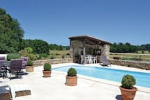 Holiday cottage with 3 bedrooms on 155m² in Augignac