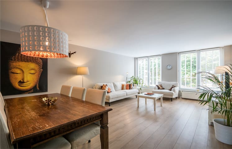 Apartment in the heart of the City Centre + Garage - Den Haag - Квартира