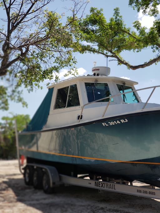 Book a fishing charter or just a picnic boat ride.. and stay in our house on the beach .. prices vary upon request..