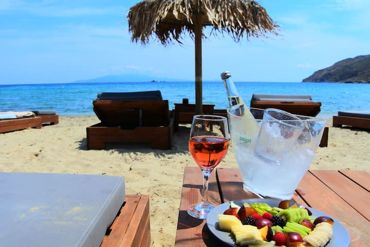 See Mykonos Relaxing Villa with free parking - Ano Mera - วิลล่า