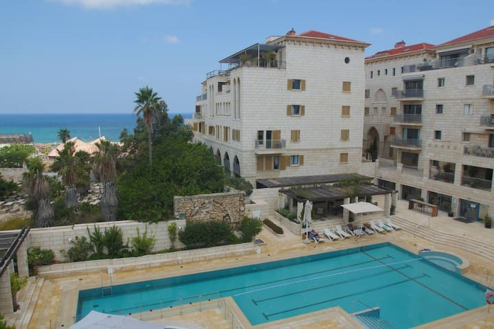 Luxury Resort Apt. in the Heart of TLV, +Pool&GYM