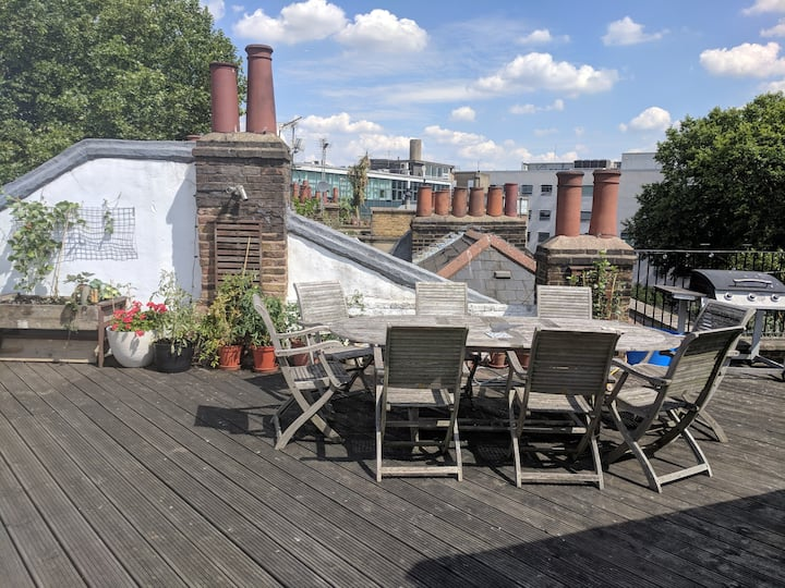 Spacious Islington Penthouse with amazing rooftop