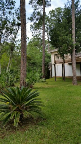 Couple's Retreat-Bayou Paradise