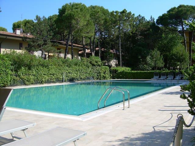 Cond. Gardenia - Bilocale con piscina a Riviera