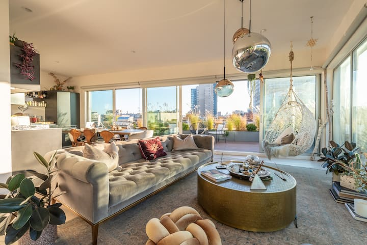 Penthouse In The Sky:Williamsburg/7 minutes to NYC
