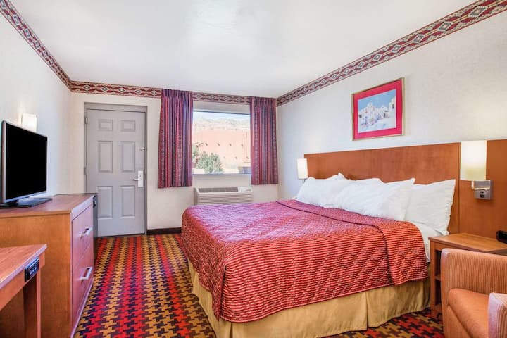 Satisfying Triple Double Bed Non Smoking At Downtown Sedona